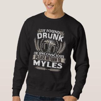 Groß, MYLES T - Shirt zu sein