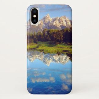 Großartiges Tetons, das im Snake River sich iPhone X Hülle
