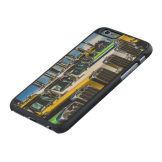 Große Anlagen Carved® iPhone 6 Hülle Ahorn