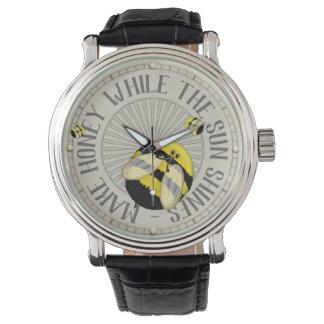 Große Bienen-lustige Imkerei Uhr
