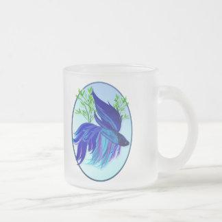 Große blaue siamesische kämpfende mattglastasse