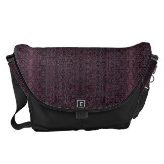 Große Bote-Tasche - Boho Pflaume/Schwarzes Kuriertasche
