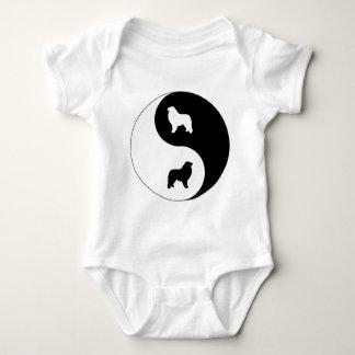 Große Pyrenäen Yin Yang Baby Strampler
