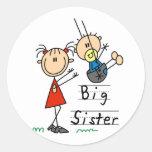 Große Schwester-kleiner Bruder-T-Shirts und Gesche Runder Sticker