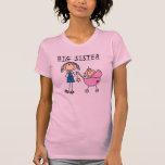 Große Schwester mit wenigen SIS-T-Shirts