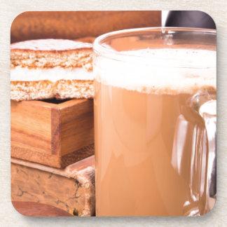 Große Tasse heißer Kakao mit Schaum Getränkeuntersetzer
