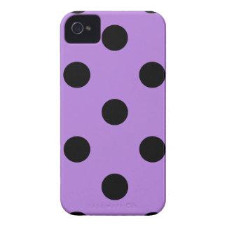 Große Tupfen - Schwarzes auf Lavendel iPhone 4 Cover