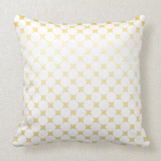 Große weiße Punkte und rhomb   Gold und weißes Kissen