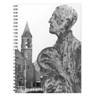Großer Hunger von Irland-Statuen in Dublin Notizblock