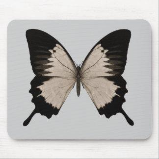 Großer Sepia-orange u. schwarzer Schmetterling Mauspad