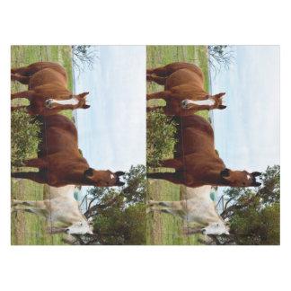 Großes ausgezeichnetes Bauernhof-Pferd Browns, Tischdecke