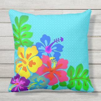 Großes mutiges hawaiisches Blumen-Aqua im Freien Kissen Für Draußen