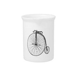 Großes Rad-Fahrrad Krug