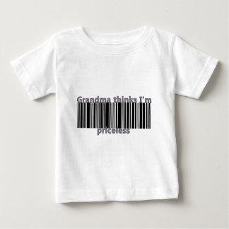 Großmutter denkt, dass ich unbezahlbar bin baby t-shirt