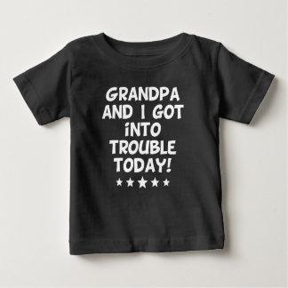 Großvater und ich kamen in Problem heute Baby T-shirt