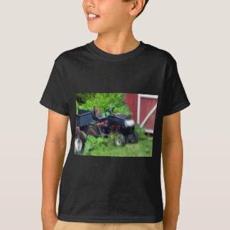 Groundhog auf einem Rasenmäher T-Shirt
