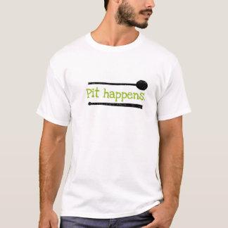 """""""Grube geschieht"""" T - Shirt"""