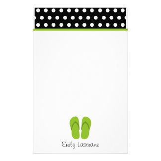 Grün drehen Reinfälle/Schwarzes mit weißen Briefpapier