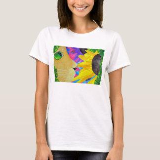 Grün-Mit Augen Katze mit Marienkäfer und Blume T-Shirt