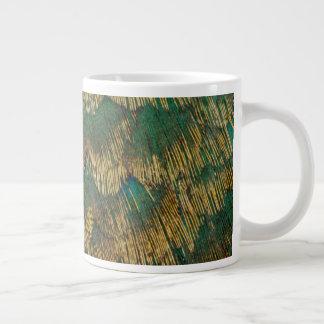 Grün und Goldfasan-Federn Jumbo-Tasse