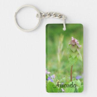 Grün und lila in der Natur Schlüsselanhänger