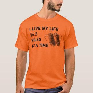 Grundlegende T - Ich lebe mein Leben 26,2 Meilen T-Shirt