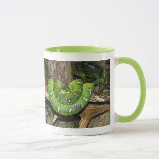Grüne Boa-Schlangen-Wecker-Tasse Tasse
