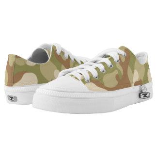 Grüne Brown-Tarnung. Ihre Camouflage Niedrig-geschnittene Sneaker
