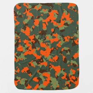 Grüne Camouflage mit Sicherheits-Flammen-Orange Baby-Decke