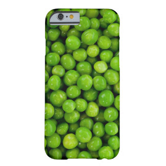 Grüne Erbsen-Hintergrund Barely There iPhone 6 Hülle