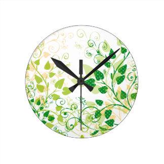 Grüne Frühlings-Blätter Uhr