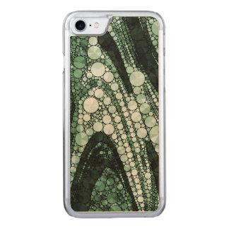 Grüne geometrische abstrakte Dreiecke und Kreise Carved iPhone 8/7 Hülle