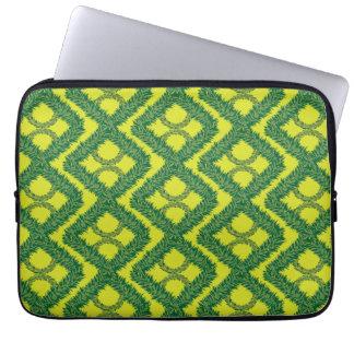 Grüne Girlanden-Quadrate Laptop Sleeve