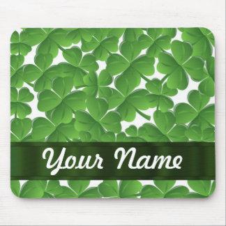 Grüne irische Kleeblätter personalisiert Mousepads