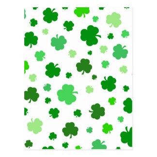 Grüne irische Kleeblätter Postkarte