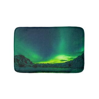 Grüne Islandnordlichter Badematte