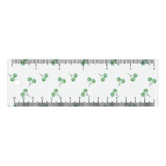 grüne Kirsche Lineal