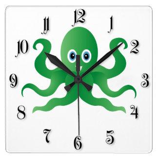 Grüne Kraken des Spaßes Quadratische Wanduhr