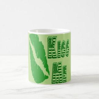 grüne Lippen küssen mich Tasse