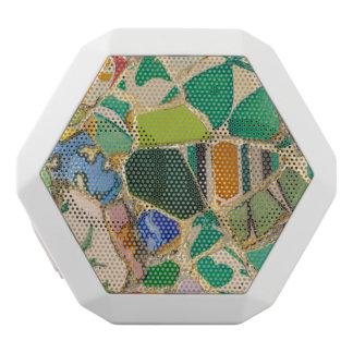 Grüne Parc Guell Fliesen in Barcelona Spanien Weiße Bluetooth Lautsprecher