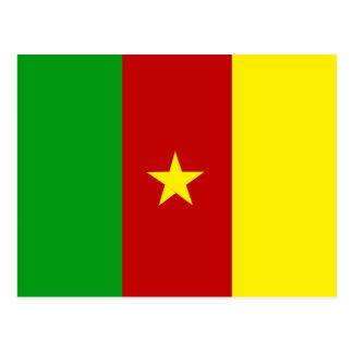 Grüne Rot-und Goldflagge von Kamerun mit Stern Postkarte