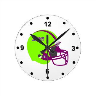 Grüne u lila Fußball-Sturzhelm-Wand-Uhr