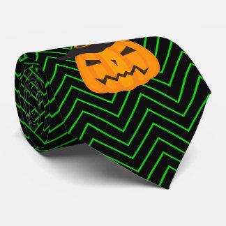 Grüne und schwarze Sparren mit Scowling Kürbis Bedruckte Krawatte