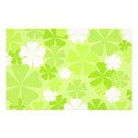 Grüne weiße Blumen Bedrucktes Papier