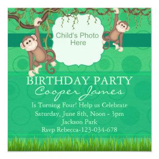 Grüner Affe-Spaß-Foto-Geburtstag laden ein Quadratische 13,3 Cm Einladungskarte