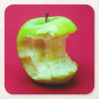Grüner Apfel nagte ab Rechteckiger Pappuntersetzer