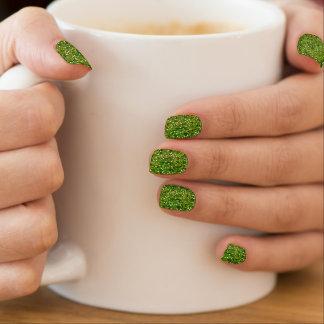 Grüner Confetti-Glitzer-Druck Minx Nagelkunst
