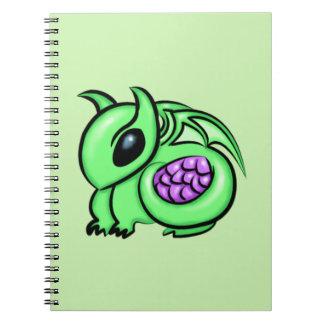 Grüner Drache, lila Drache-Ei Spiral Notizblock