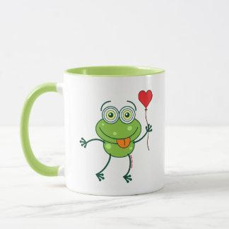 Grüner Frosch, der wütend in Liebe fällt Tasse