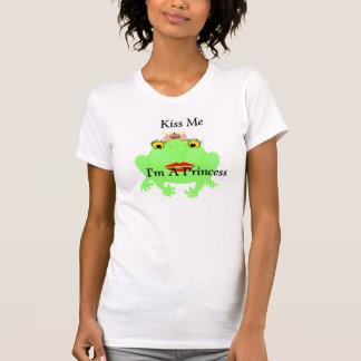 Grüner Frosch küssen mich, den ich eine Prinzessin T-Shirt